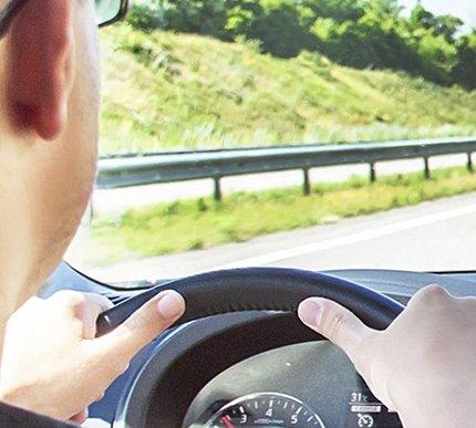 Explosieve toename gebruik mobieltje bij afsluiten autoverzekering